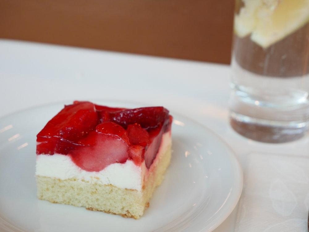 Lufthansa Senator Lounge FRA Schengen strawberry cake