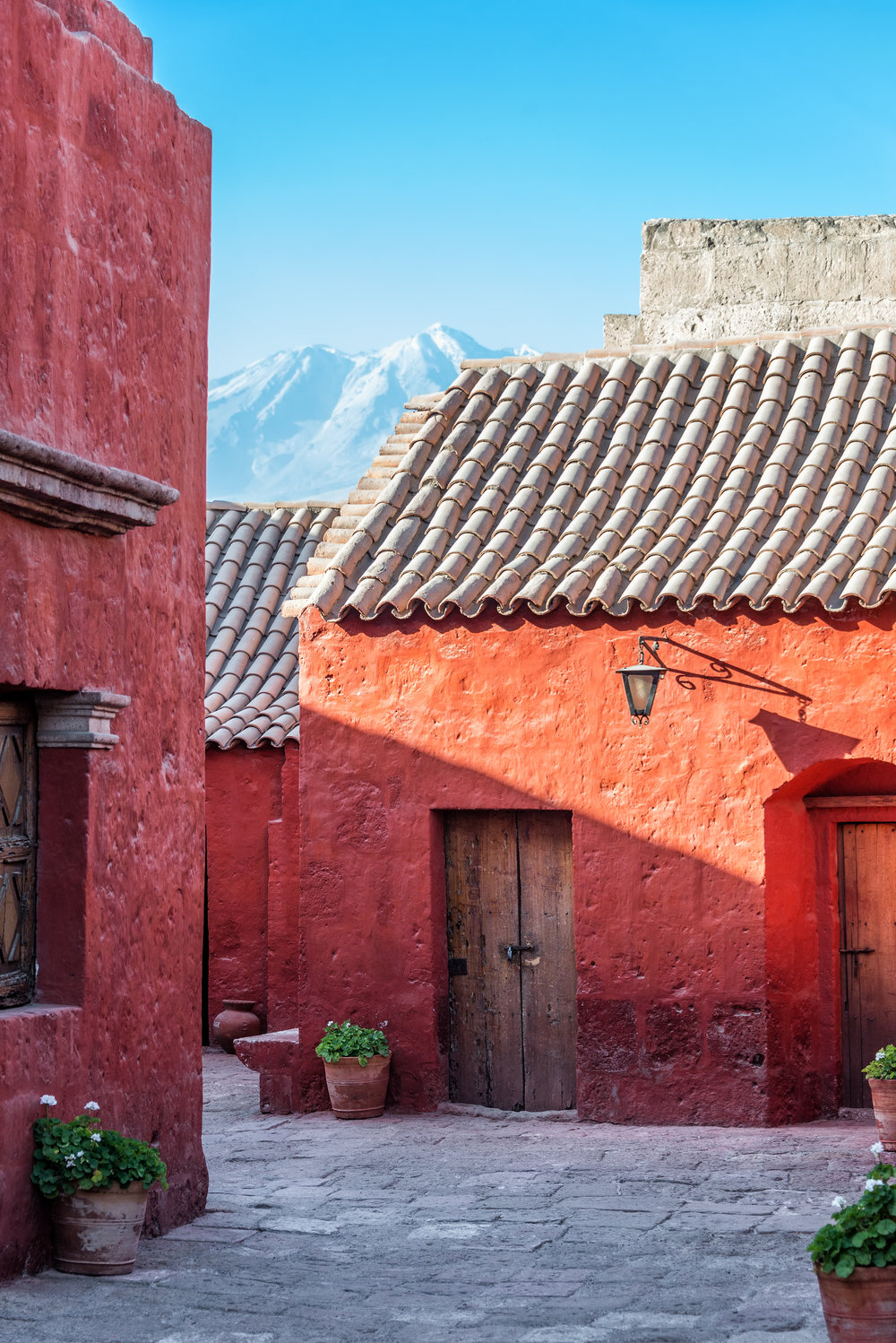 picfair-01344096-santa-catalina-monastery-and-volcano.jpg