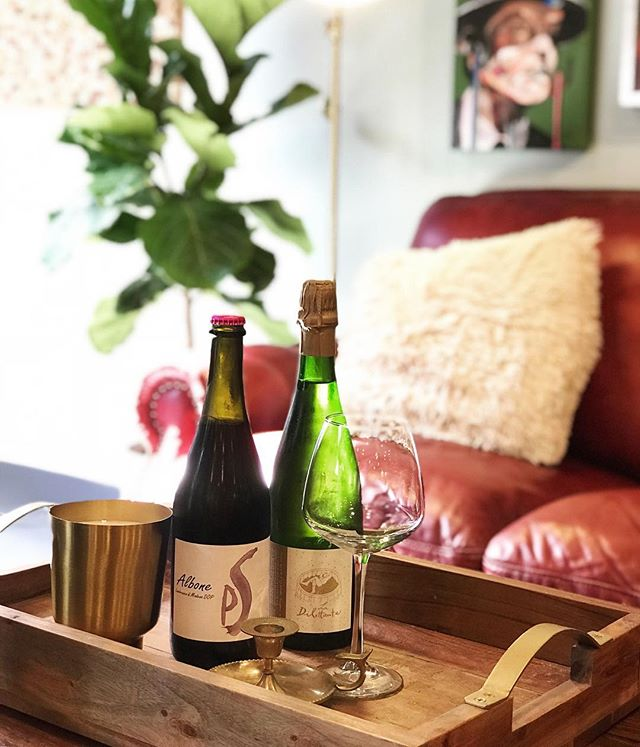 Hide from the sun!  AC is on and we have two new fantastic ice cold sparkling wines for service by the bottle!  A wonderful Lambrusco pettilant as well as a sparkling dry chenin Blanc from vouvray!  Come get chill #artmajor #winetasting #sparklingwine #winebar