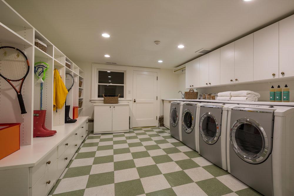 L0_Laundry_7147.jpg