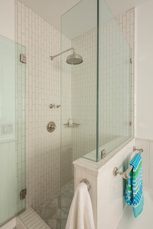 L1_Bath_Shower_8019.jpg