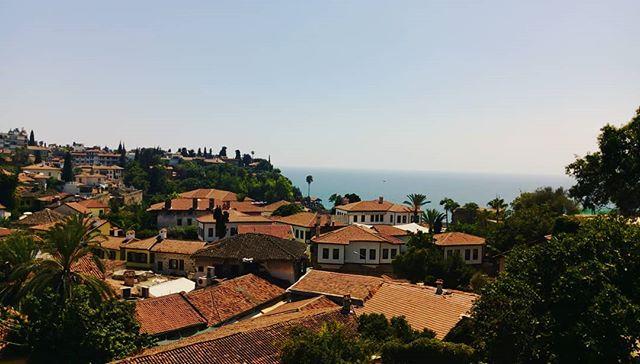 Antalya has the most lit belediye çay bahçesi ever