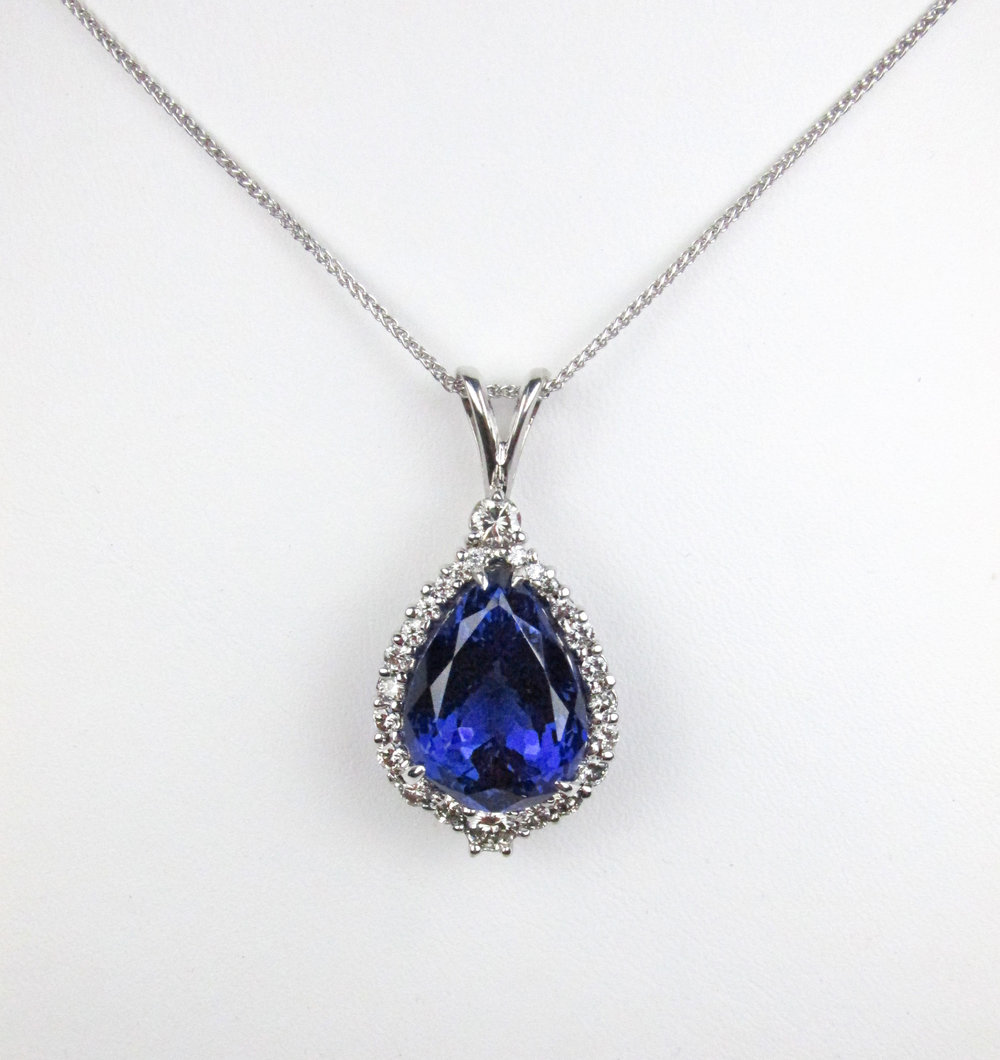 tanzanite_diamond_pendant_redford_jewelers.jpg