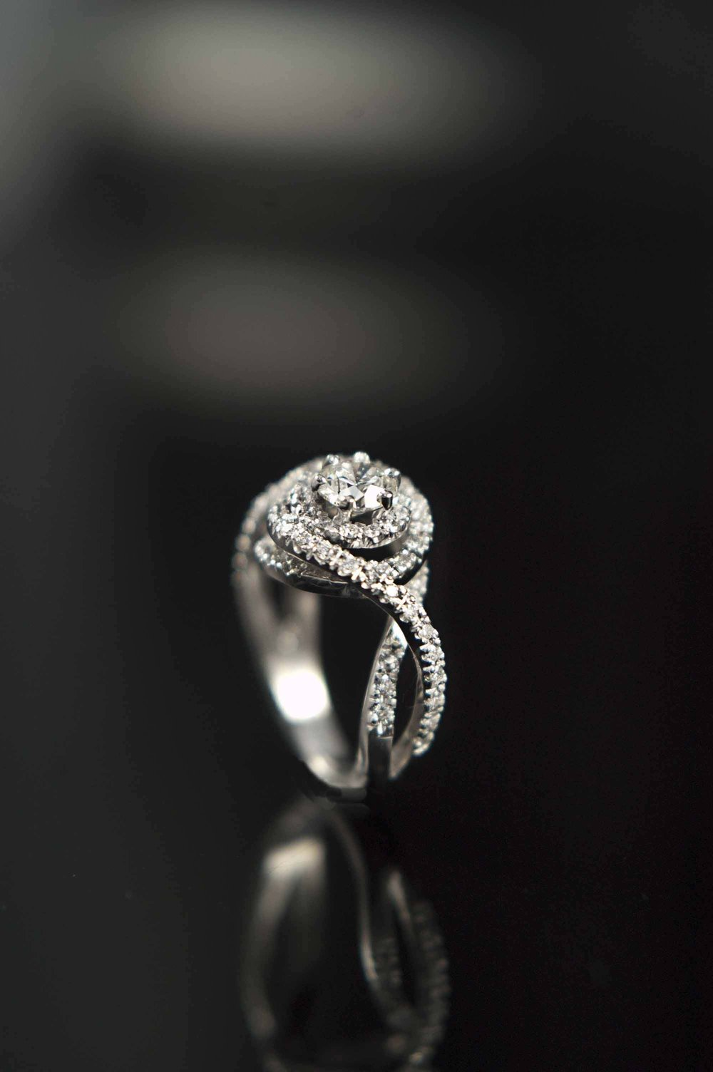 twist_engagement_ring_modern_redford_jewelers.jpg