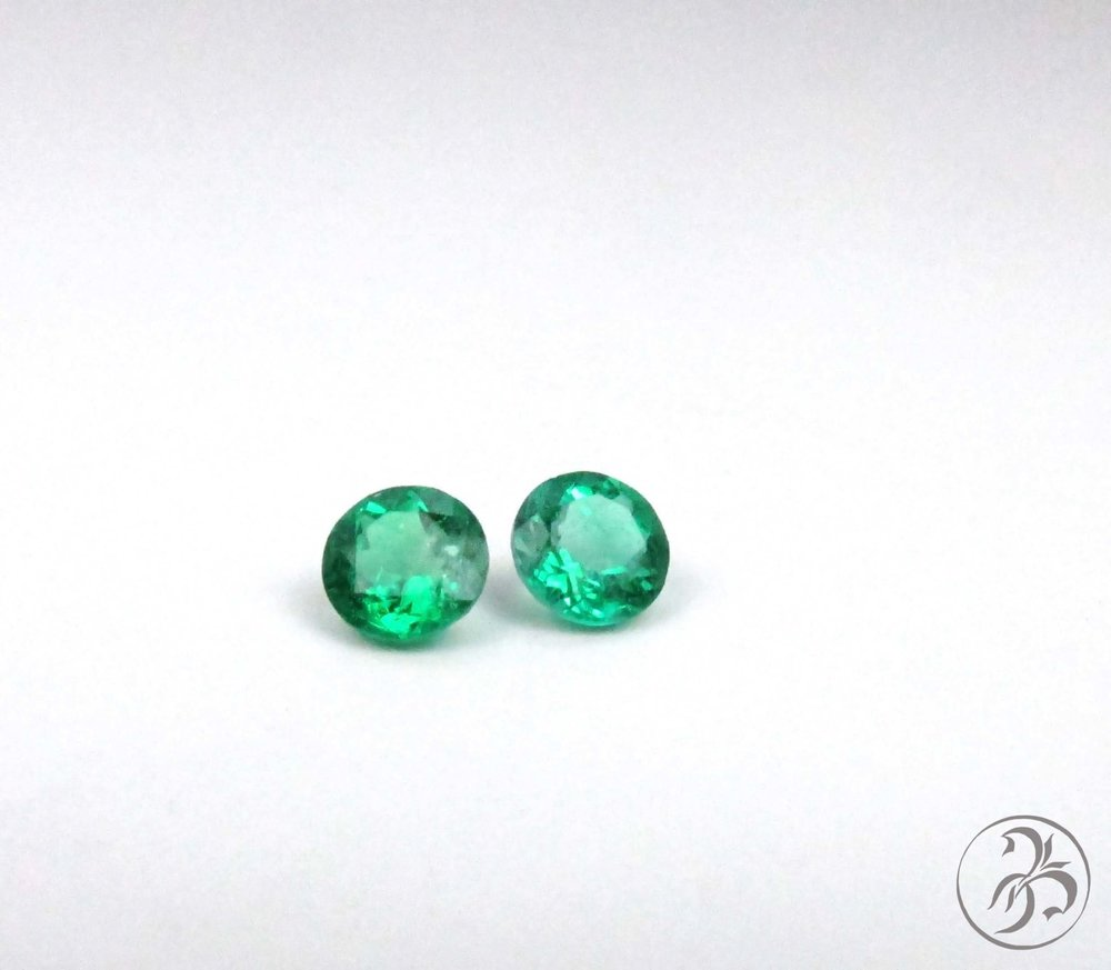 Round emeralds. Matched Pair. 1.20ctw
