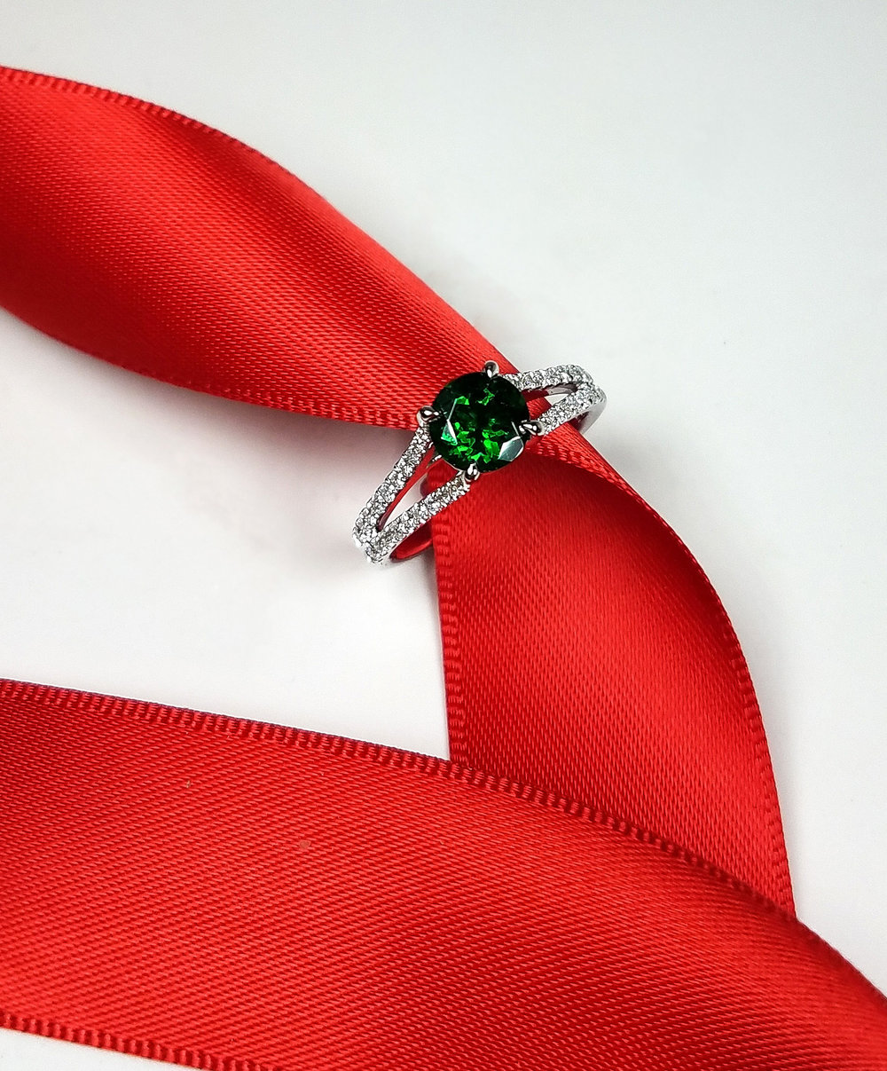 tsavorite_diamond_ring_2_redford_jewelers_holiday_2018.jpg