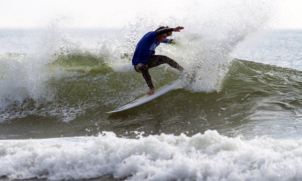 MichaelVanaman-Surfing-02.jpg