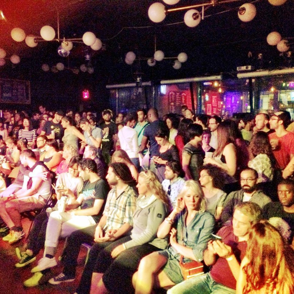 Full house at @knittingfactorybk ! #BKCF (at Knitting Factory Brooklyn)