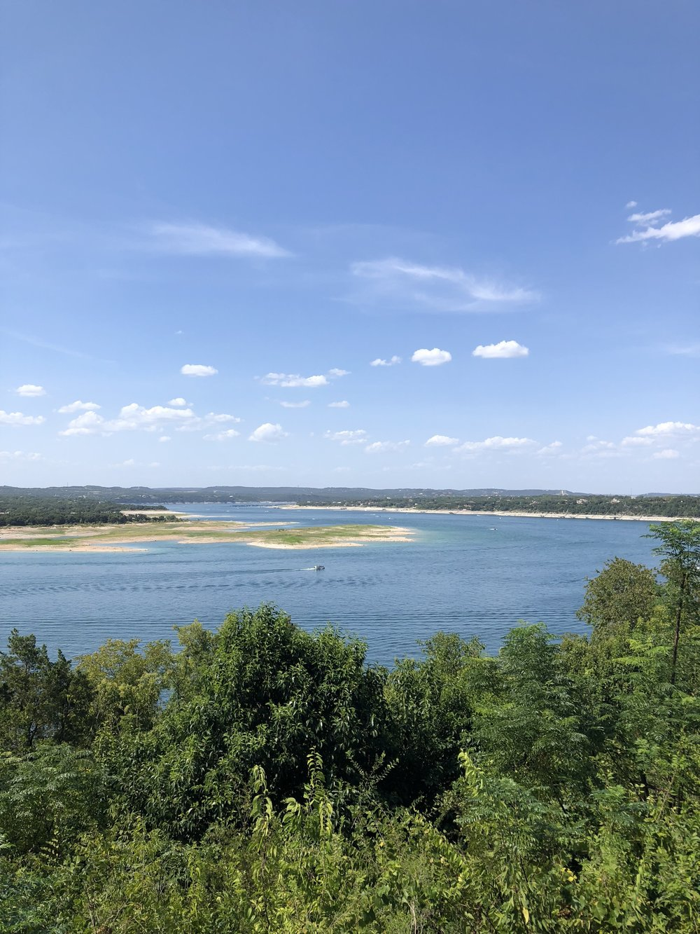 Travel to Lake Travis | hello vashti