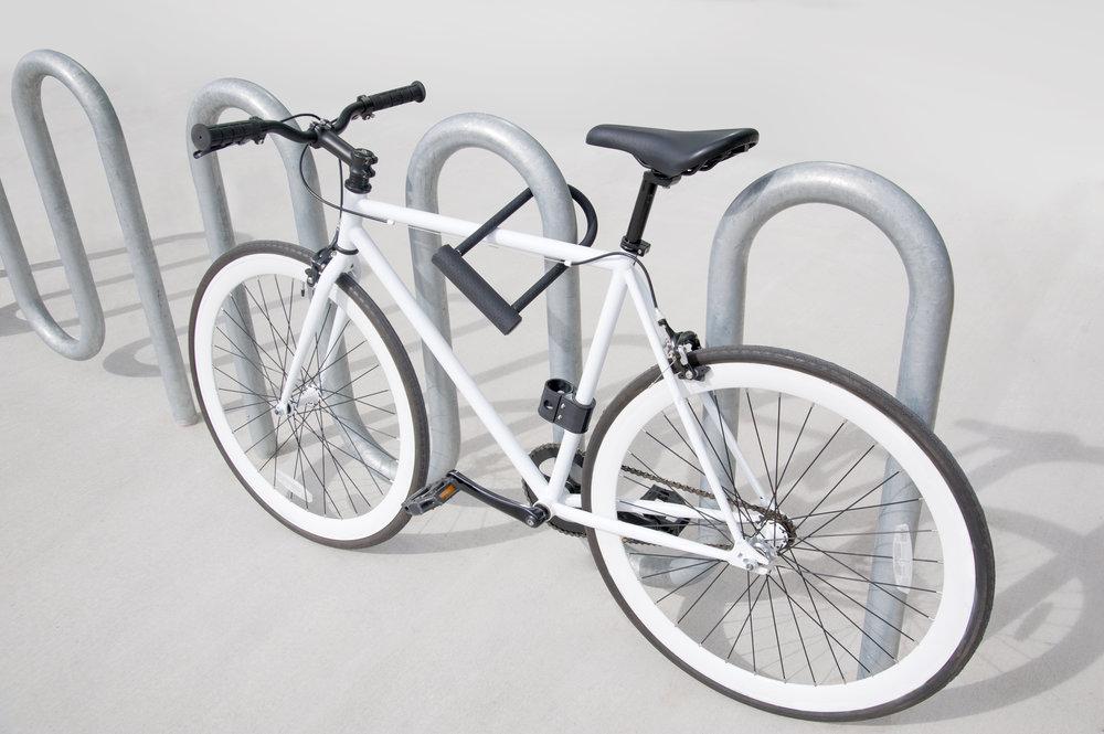 U-lock isolated bike and rack.jpg