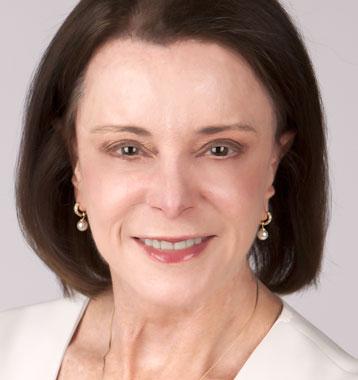 <b>Robin Farracone</b>CEO, Farient Advisors