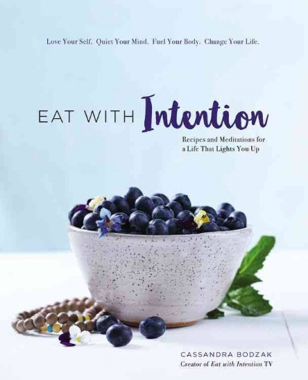 I love this deliciously mindful read from my friend & author   Cassandra Bodzak  ! It's a holistic all in one, perfect for revamping your diet & well-being!