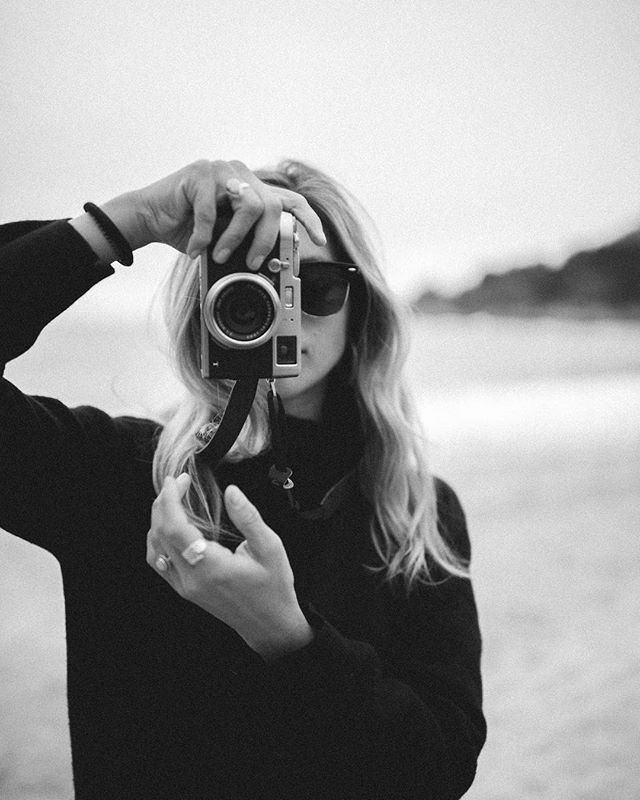 Friends can be fun models and strangers can be familiar @pituml  #photography #blackandwhite #fuji #pitu #inspiration #beachc #photo