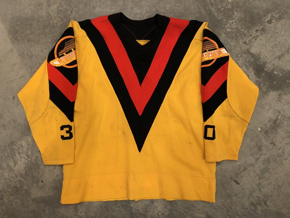 1978-79 Gary Bromley Vancouver Canucks game worn jersey 58529fa4afd
