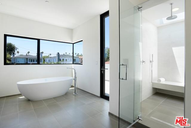 M Bath2.jpg