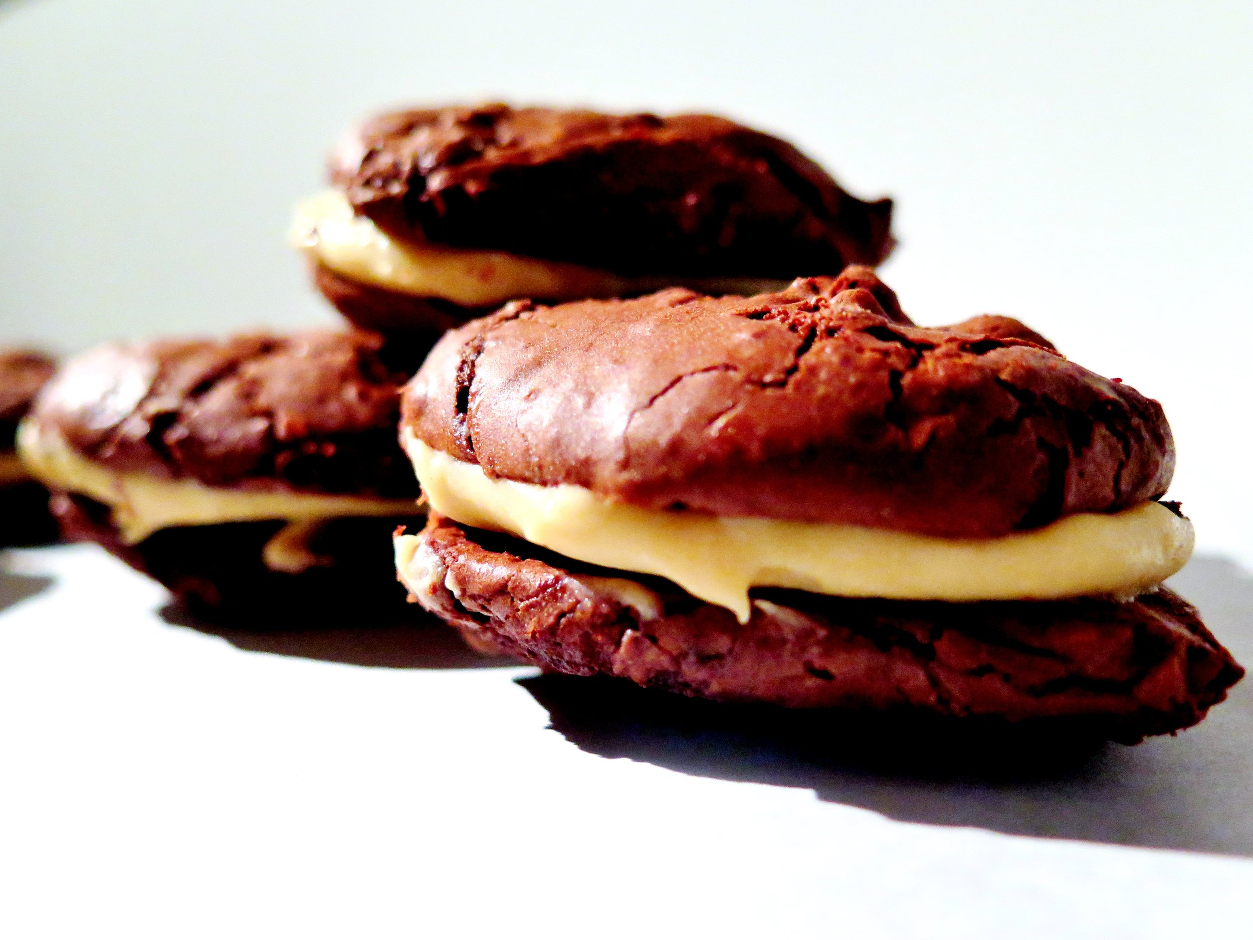 Salted caramel-filled chewy chocolate brownie cookies