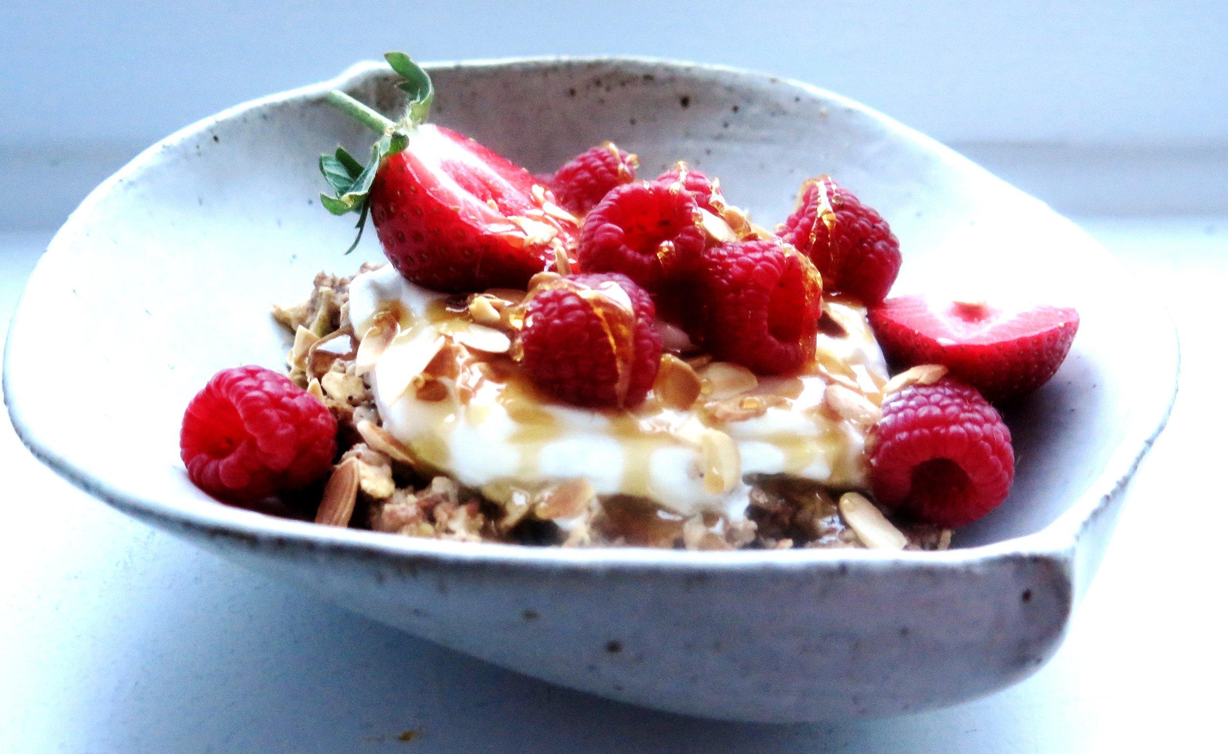 Vanilla Bean & Cinnamon Bircher Muesli (Dairy-free, Sugar-free, Gluten-free) - Recipe