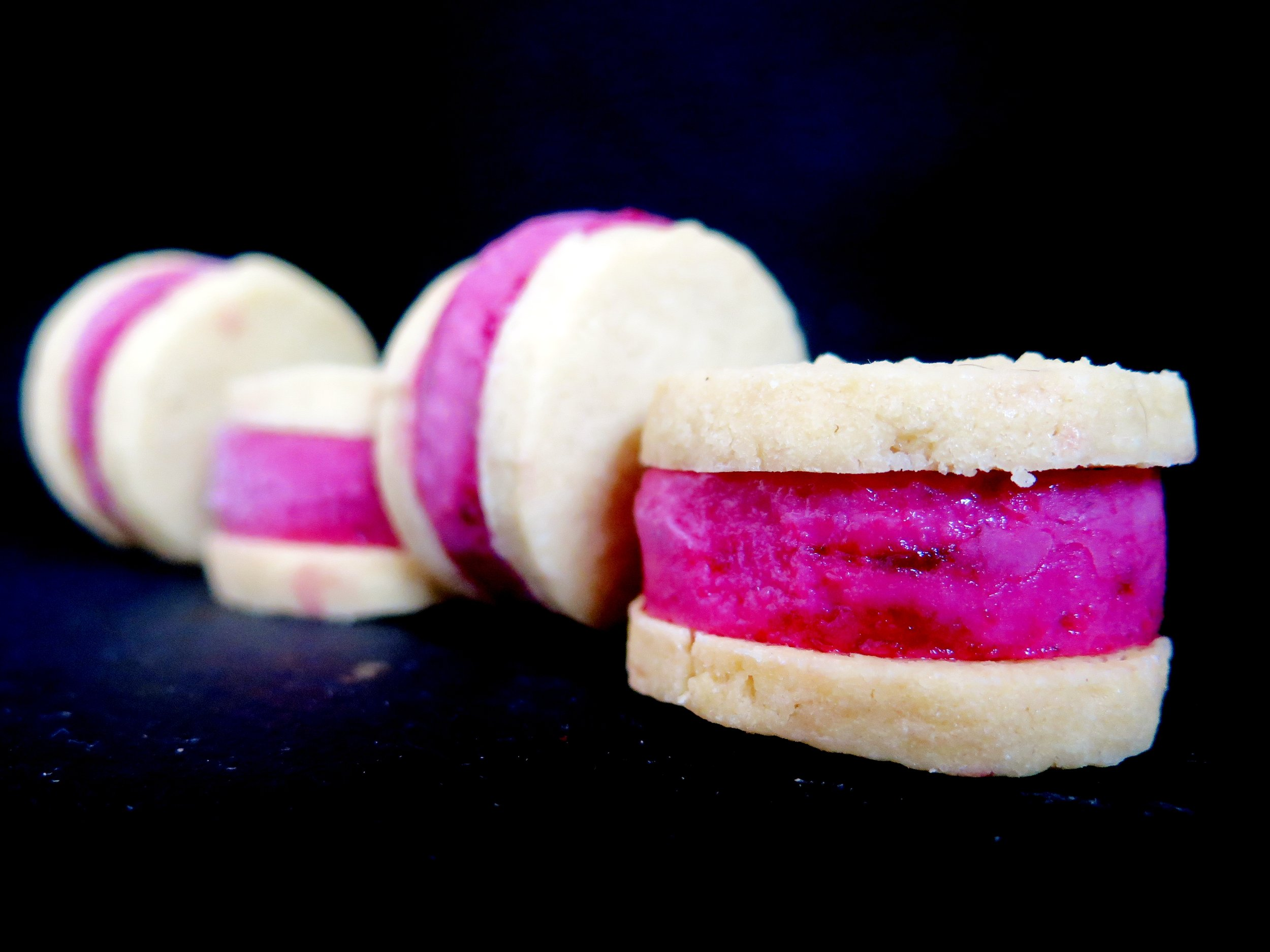Cherry & Yuzu Frozen Yoghurt Almond Cookie Sandwich