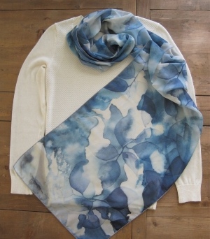 Blue Leaves Scarf 03.jpg