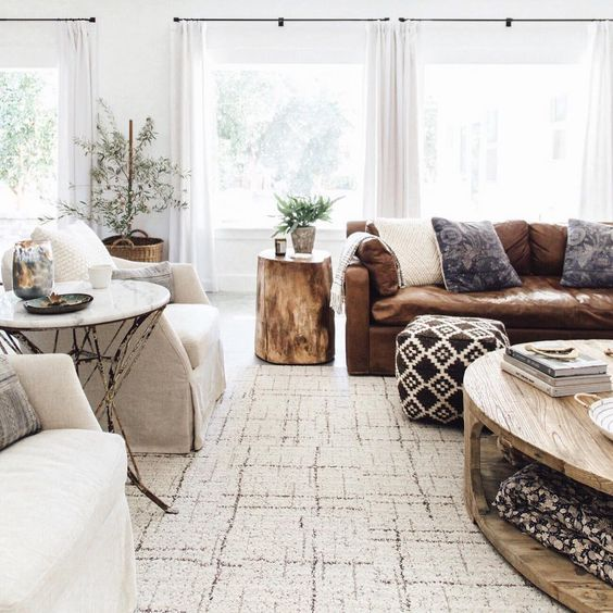 Heather Bullard's amazing space. if you haven't checked out her blog you should! Click through on the image.