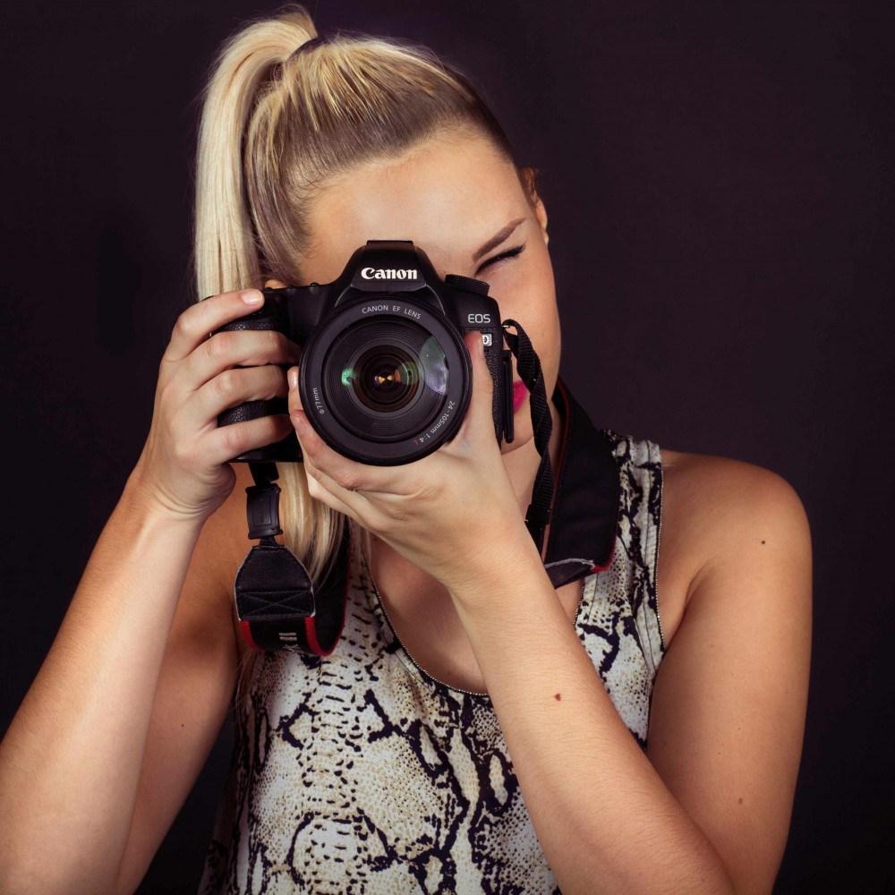 FASHION PHOTOGRAPHER -