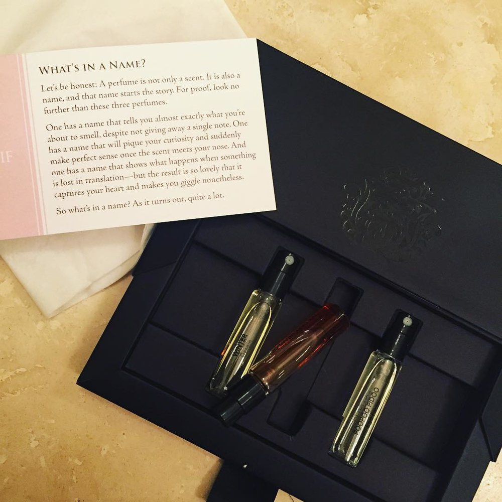 Oh, @artofperfume, you outdid yourself this time. Of course I went straight for the @4160tuesdaysperfume because I'm obsessed with #centerpiece. #thedarkheartofhavana is divine, can't wait to try the others! #perfume #fragrance @samples #getthissubscription #beauty #scent