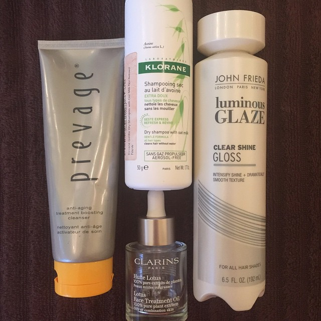 This week's #empties! @elizabetharden @kloraneusa @johnfriedaus @clarinsnews #exfoliation #cleanser #hair #dryshampoo #glaze #skincare #oil #beauty