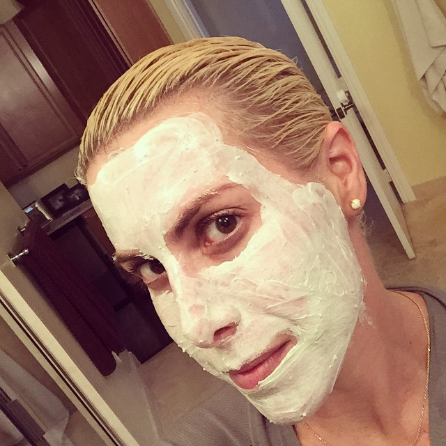 Pre-shower #multitasking with @johnfriedaus #luminousglaze #clearshine #gloss and @glossier #megagreens #detox #face #mask #skincare #hair #platinum #blonde