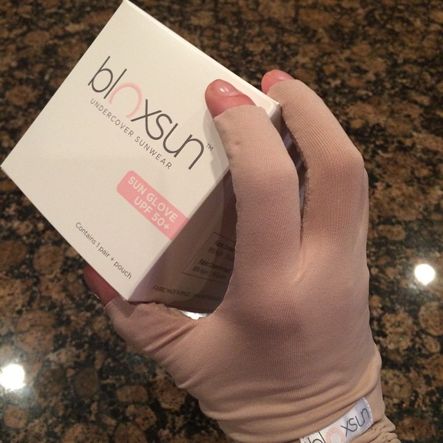 Thank you for the awesome pressie, @bloxsun! Here's to ageless hands forever!!! #antiaging #hands #sunprotection #upf50