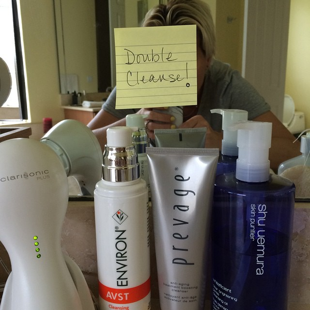 Note to self… Double cleanse! @shuuemurausa @elizabetharden #prevage #environ @clarisonic