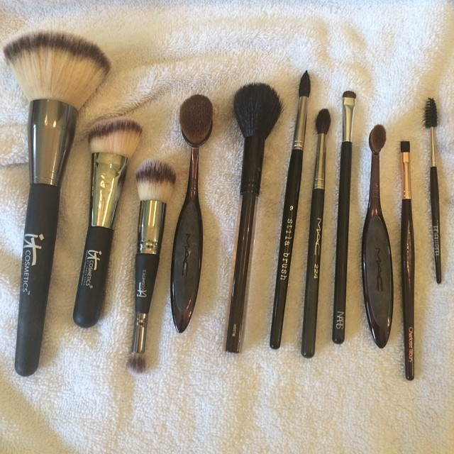 All clean! @itcosmetics @maccosmetics @kevynaucoin @stilacosmetics @narsissist @ctilburymakeup @lauramercier