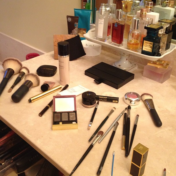 When did things get so complicated? #makeup #saturdaynight #tomford #ysl #dior #smashbox @itcosmetics