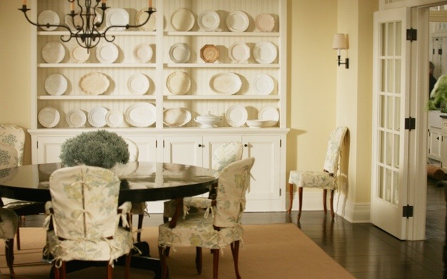 4.SomethingsGottaGive-Dining-room-cocoon-at-home-blog (1).jpg