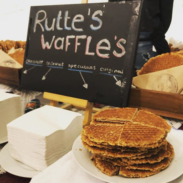Looking for fresh, on the spot, real Dutch Stroopwaffles's? Look no further! Message us or check out website! (Link in bio) #ruttesdutchwaffles #rutteswaffles #brooklyn #newyorkeats #brooklyneats #nyeats #stroopwafel #stroopwaffles #stroopwafels #fresh