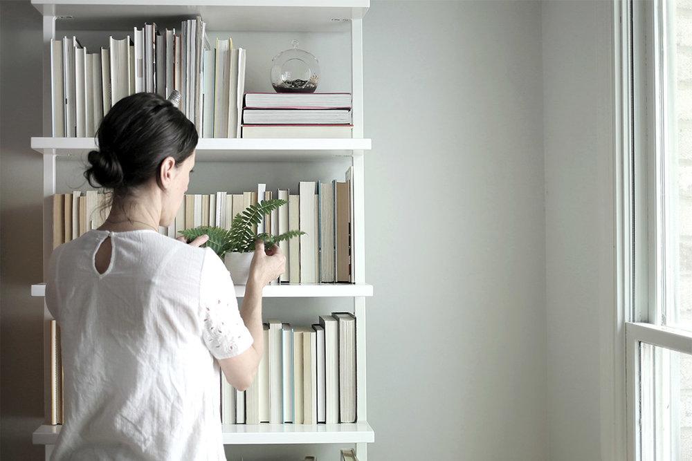 Bookcase Refresh for Spring 6.jpg
