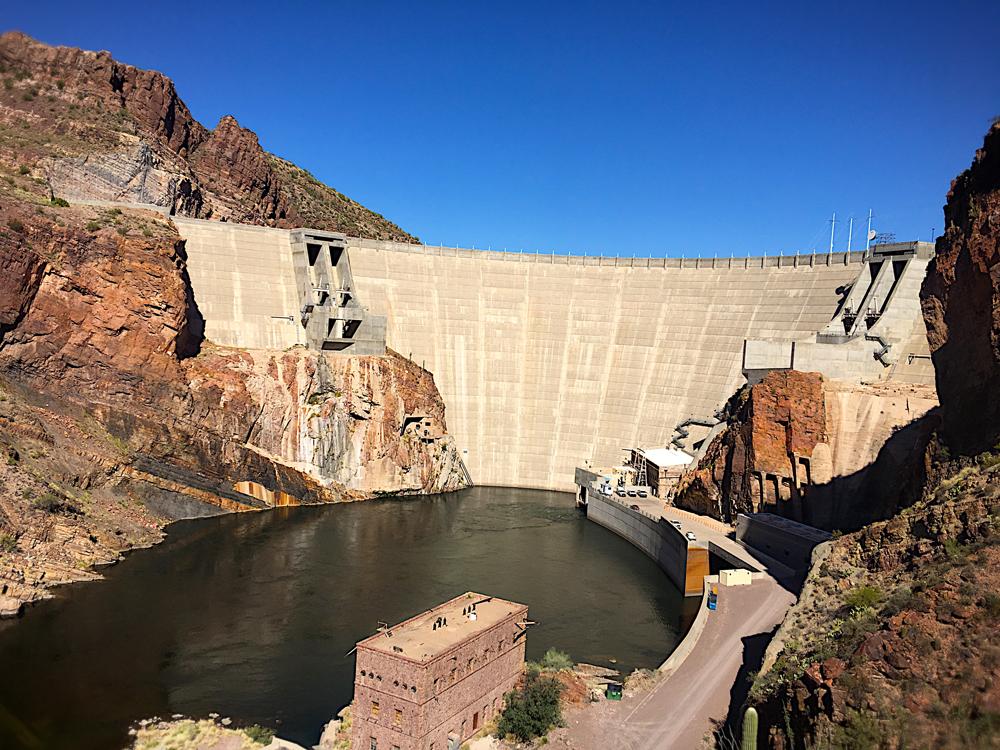 4. IMG_1200-Dam-&-Hydro-electric1cropSM.jpg