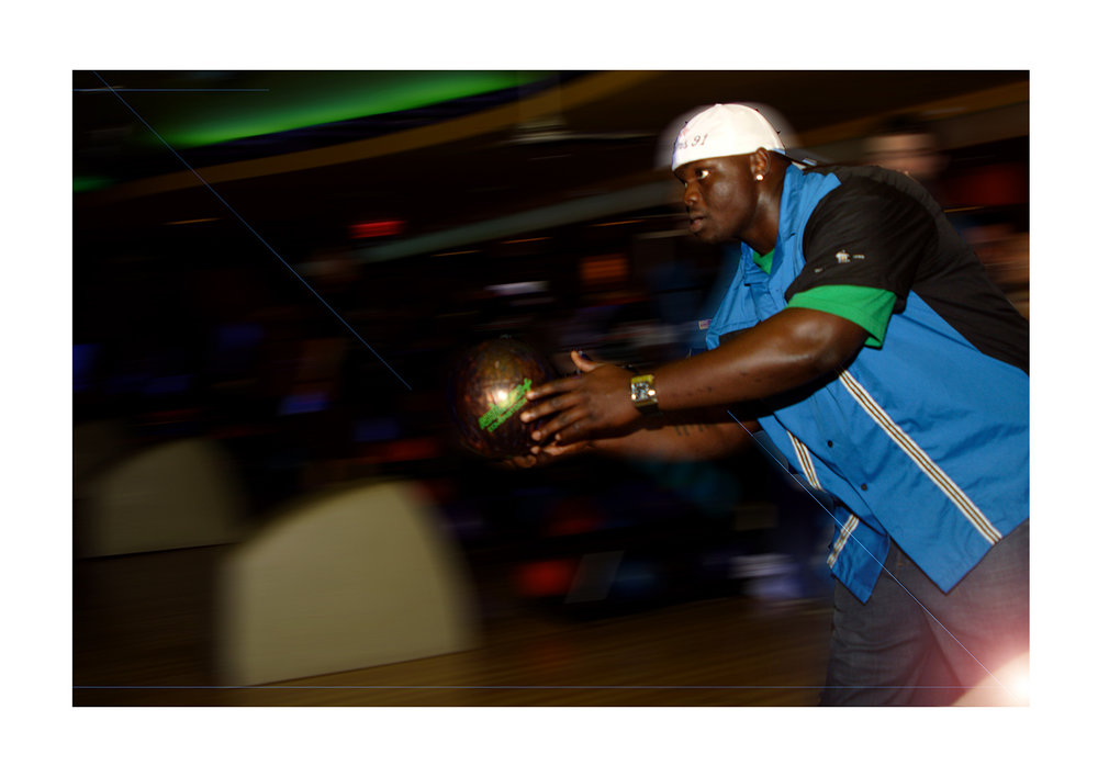 Bears' Tommie Harris, Kerry Wood's Strike Zone Celebrity Bowling