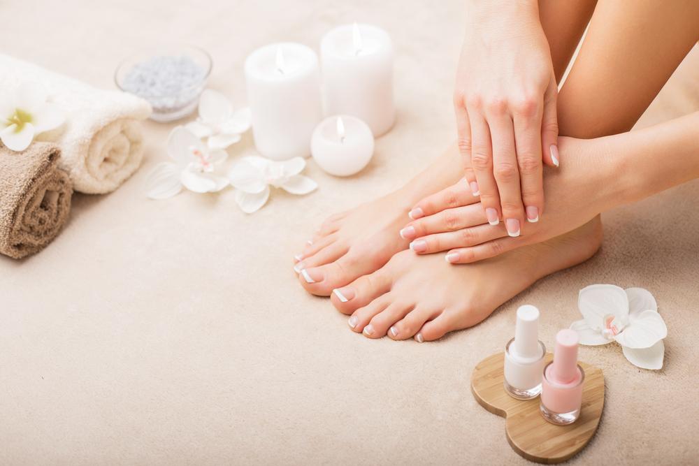 ¡Consiente tus manos y pies con nuestros tratamientos revitalizantes!