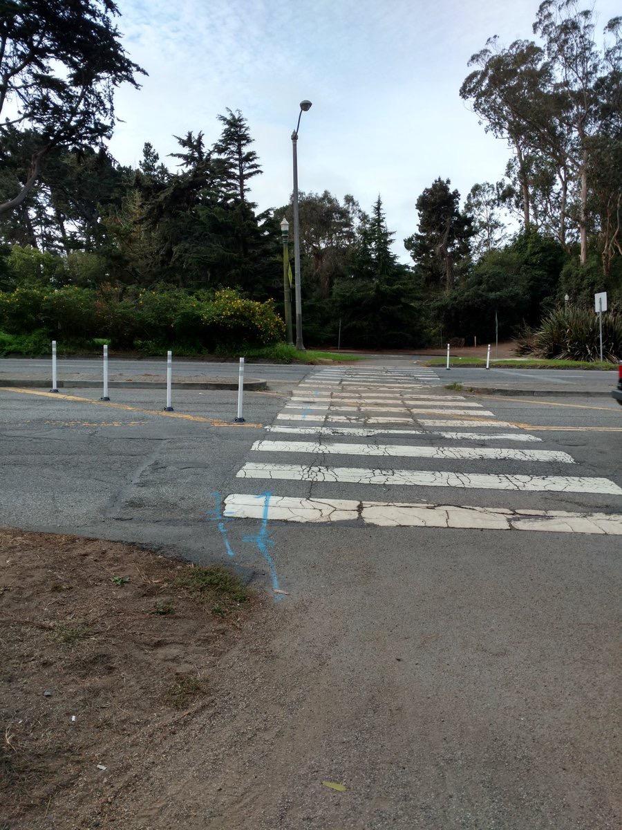 crossover drive crosswalk posts sfmtra