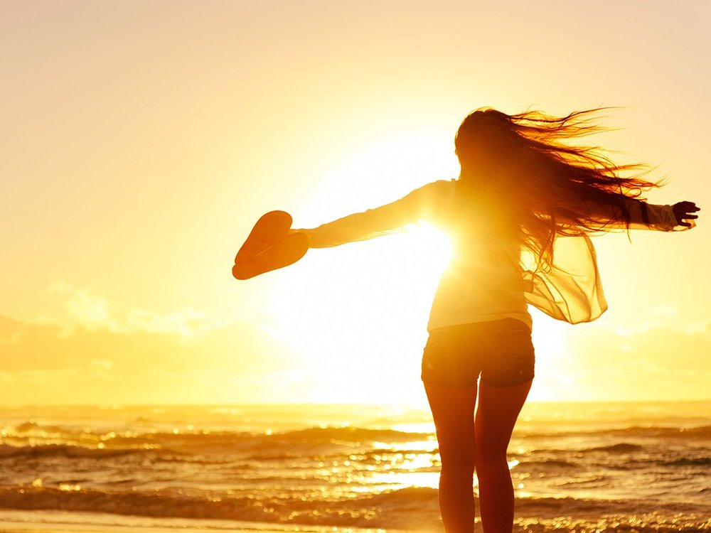 Body-image-Woman-on-beach-2.jpg