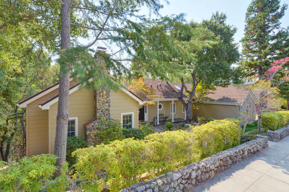 106 Alpine Ave, Los Gatos  4 bed • 3.5 bath • 3,633 sqft