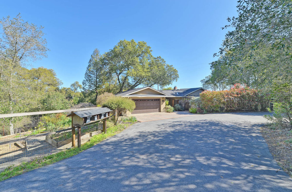 16526 Farvue Ln, Los Gatos  3 bed • 2 bath • 2,143 sqft
