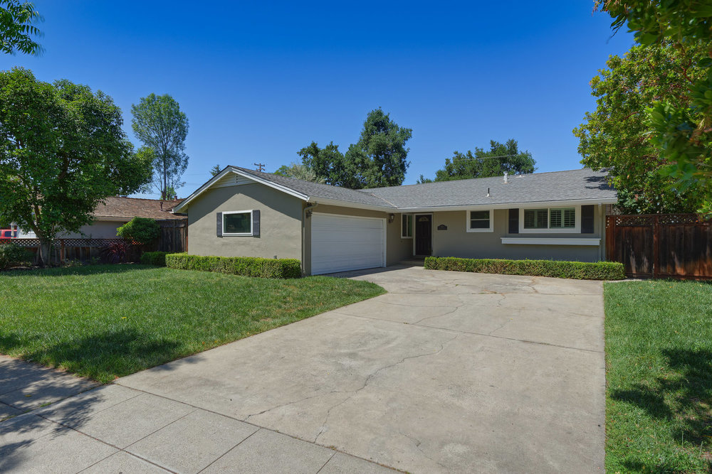 372 Blackwell Dr, Los Gatos  3 bed • 2 bath • 1,305 sqft
