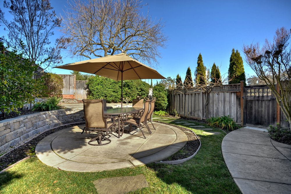 28_136 Va Santa Maria Los Gatos-print-033-29-Backyard Dining Area to Entry-3675x2448-300dpi.jpg
