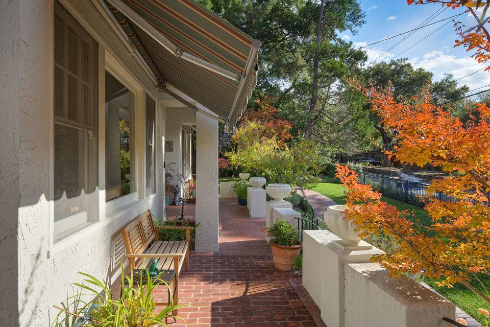 3. Front porch1.jpg