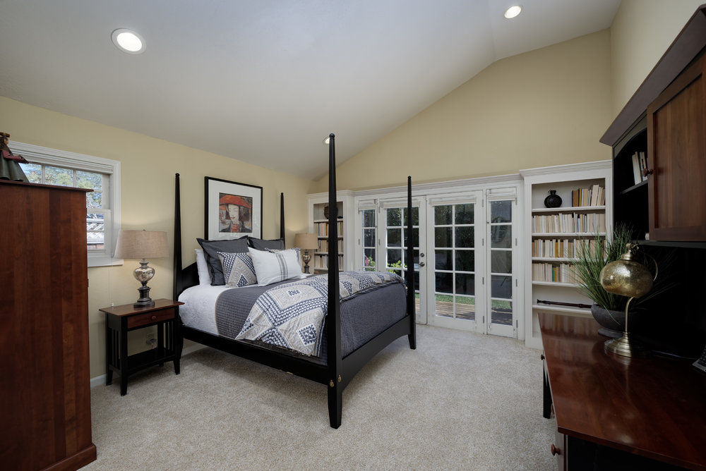 20 Mater Bedroom.jpg