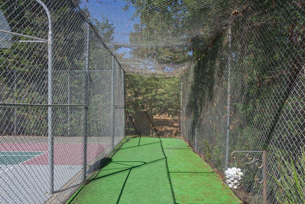 35_Back_Golf cage.jpg