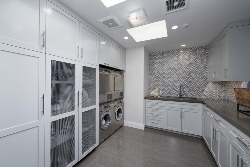 29_Upstairs laundry.jpg