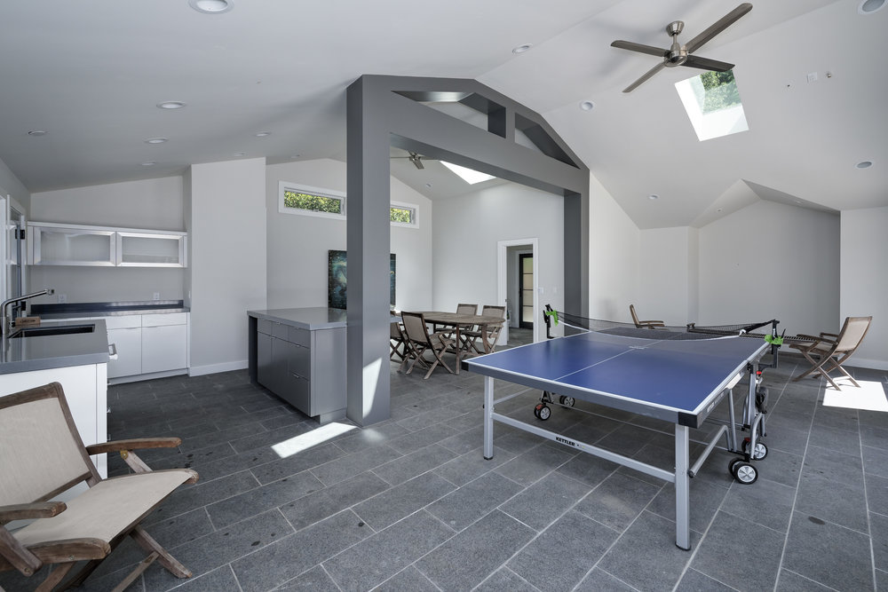 48_poolhouse from entry.jpg