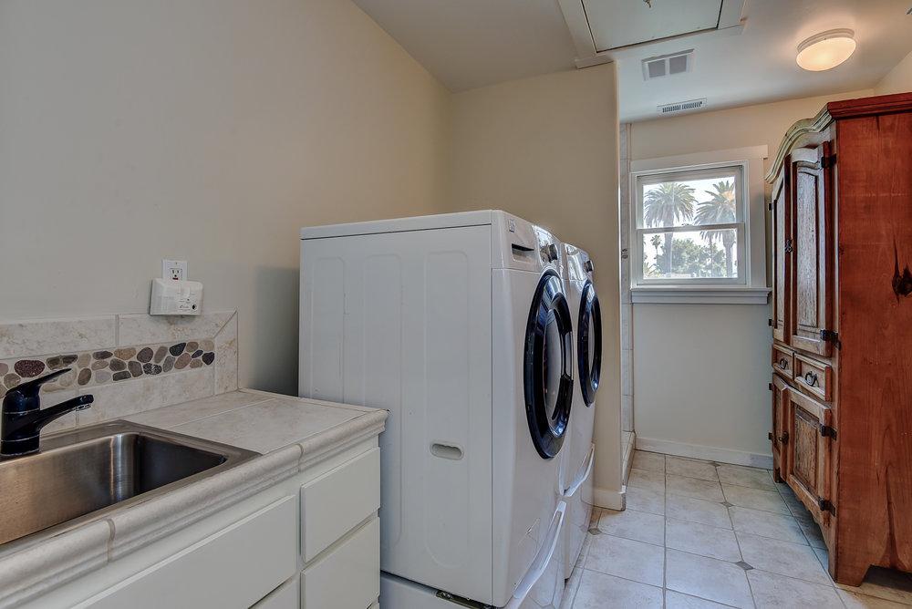 20_853 Hartford Ave San Jose CA-print-034-6-Laundry Room-3662x2445-300dpi.jpg